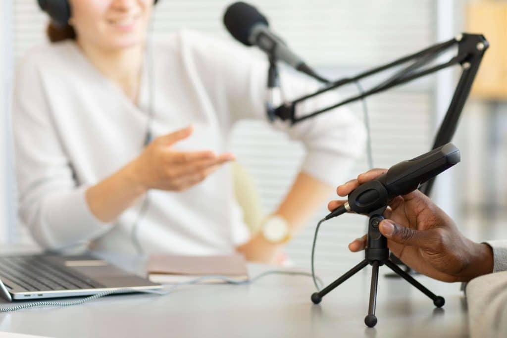 Cómo monetizar un podcast